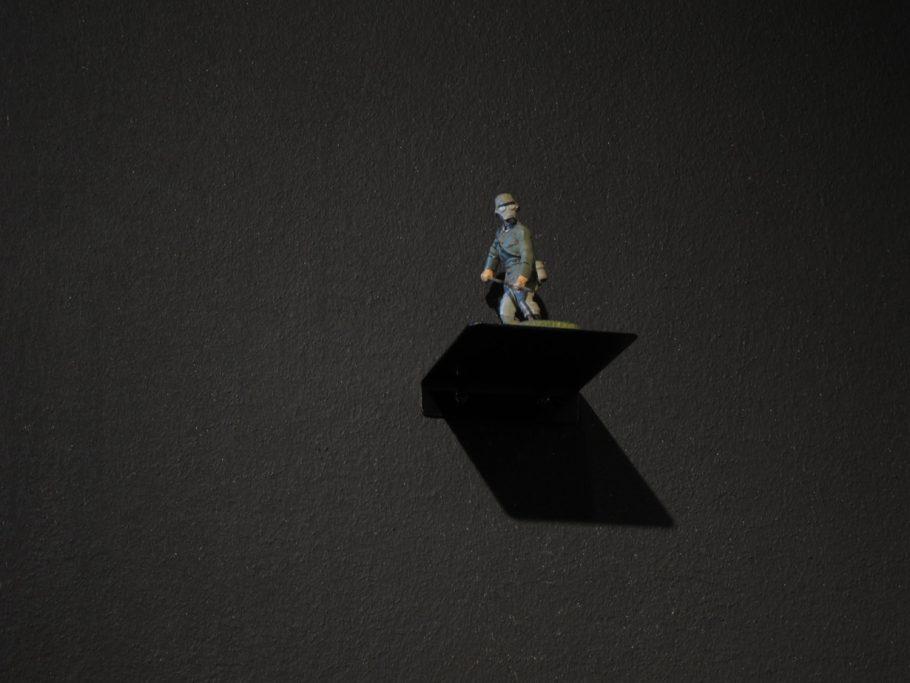 Trauriges-Jubiläum_Ausstellung_02_Figur
